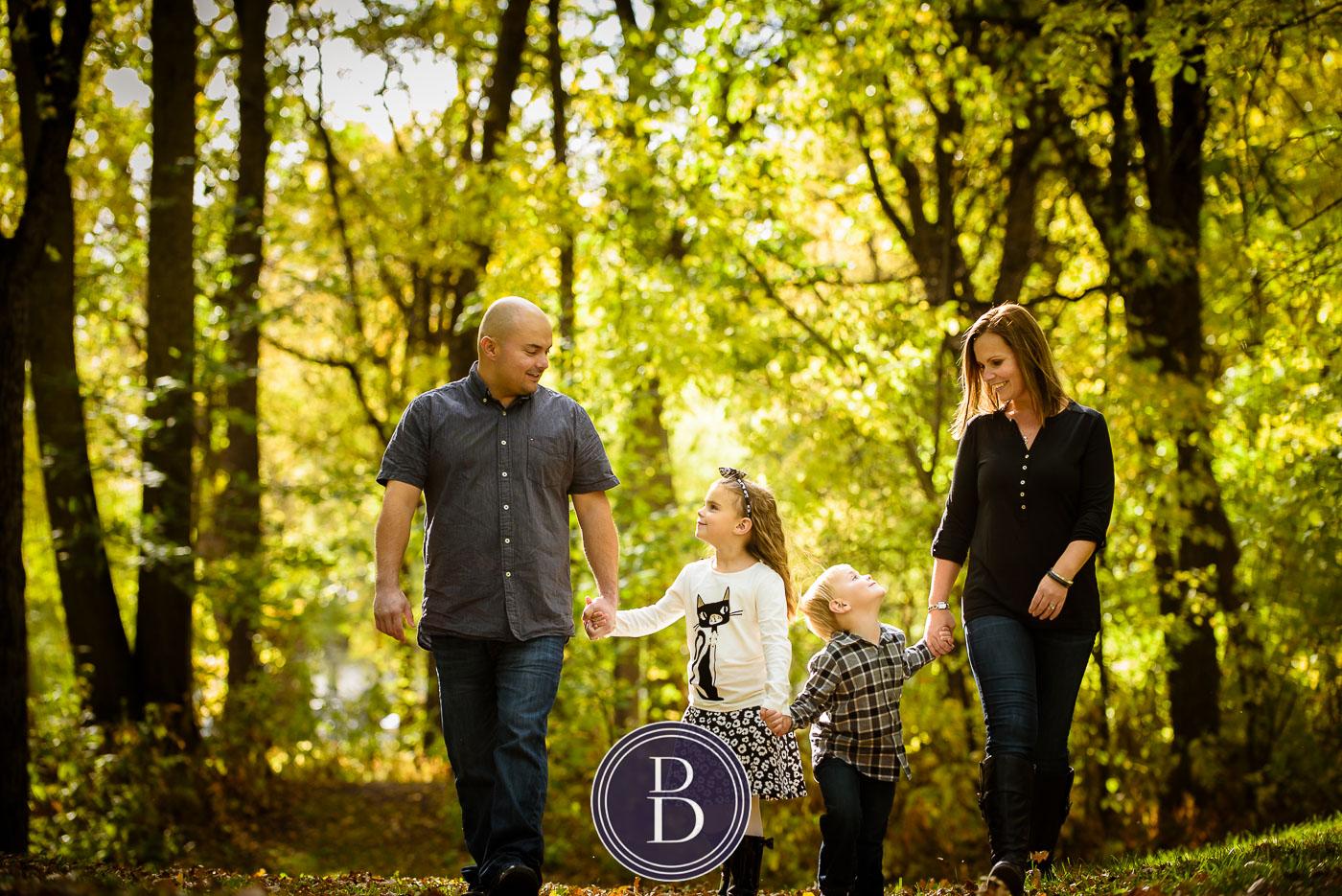 fall portrait of family at kildonan park