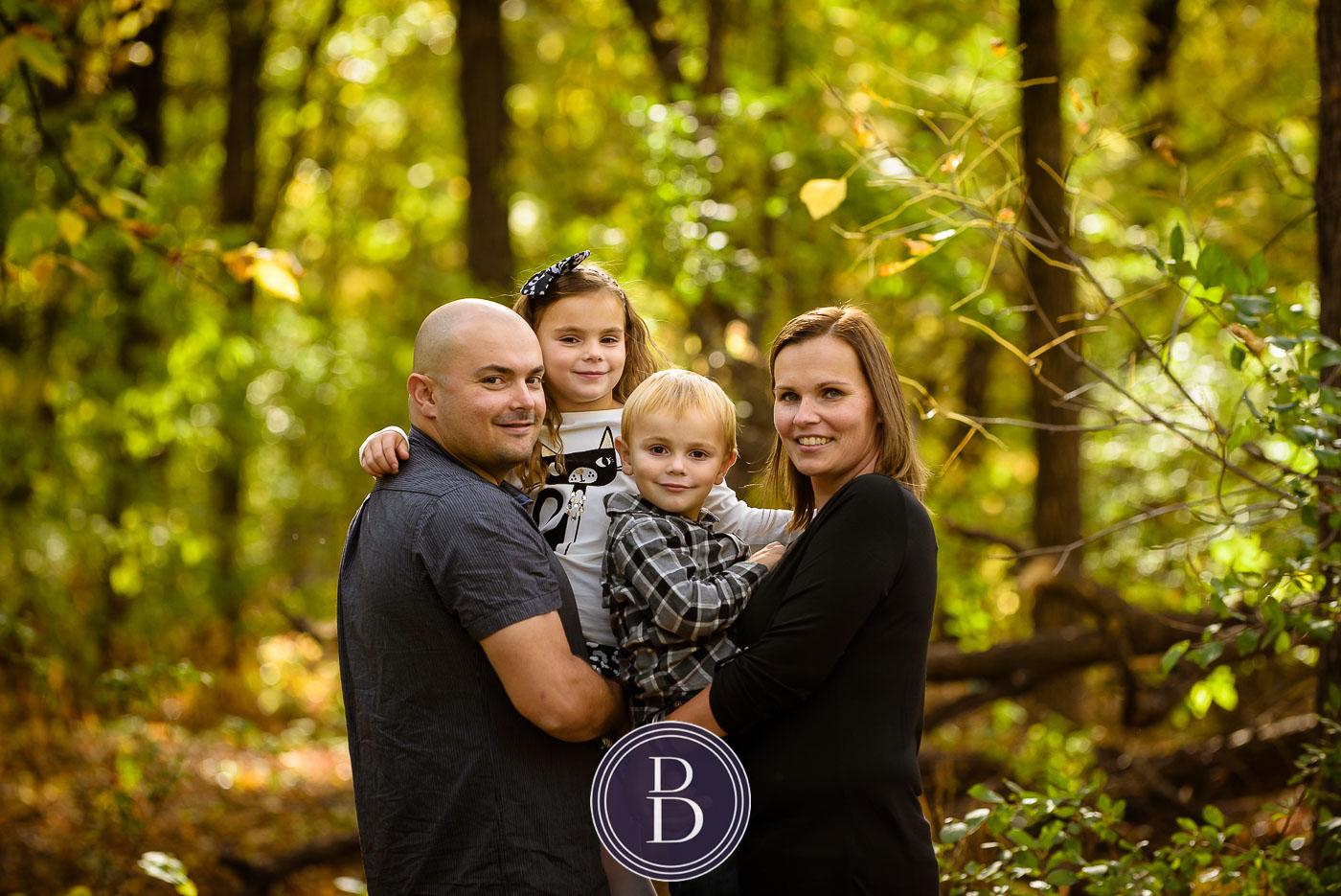 fall family portrait at kildonan park