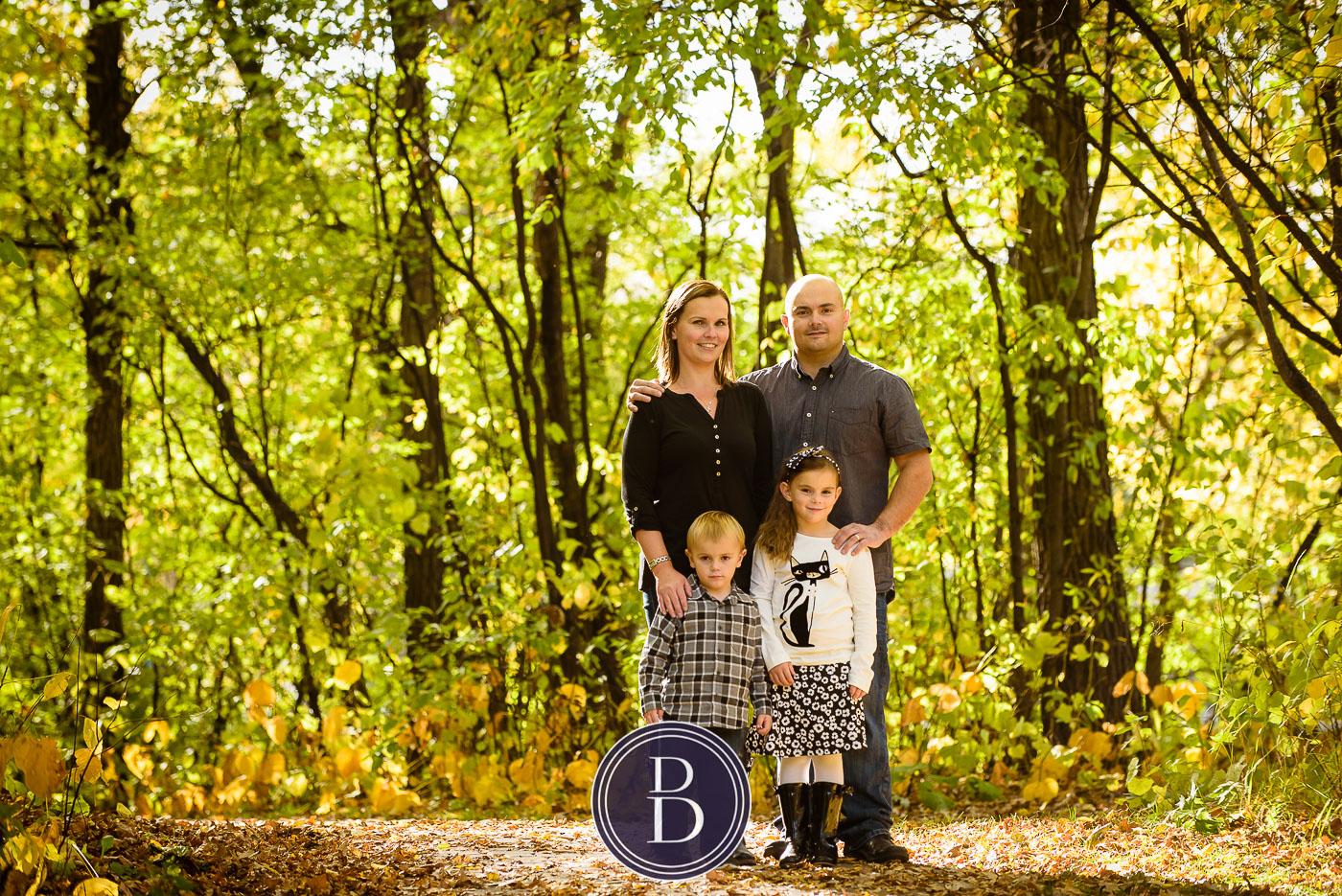 fall family photo at kildonan park