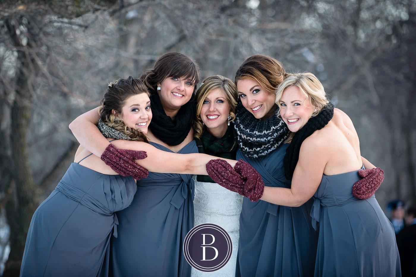 Winnipeg winter wedding bridesmaids getting cold