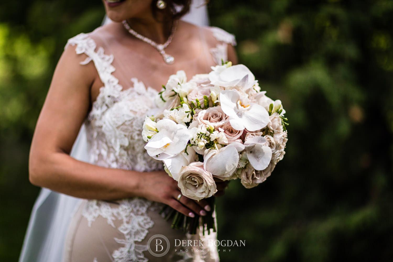 Winnipeg flowers bride portrait