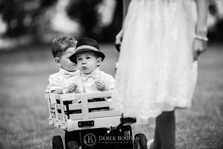 kids in wagon outdoor Manitoba wedding