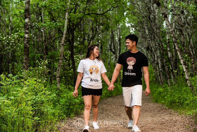 Winnipeg engagement photos at Assiniboine forest