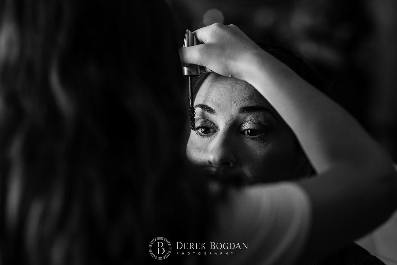 Bel Acres Golf wedding Manitoba bride getting her makeup done